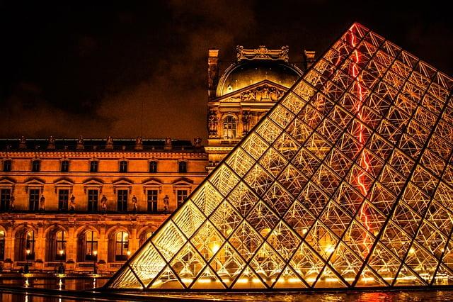 Parigi in 3 giorni - Il Louvre di notte