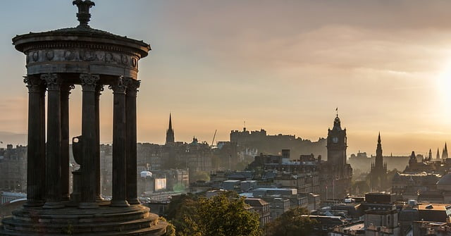 Vista di Edimburgo da Calton Hil