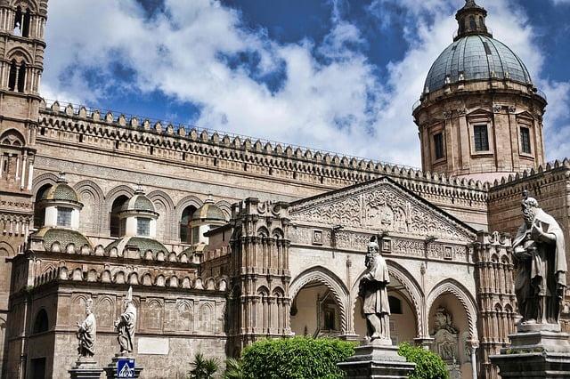 dove-dormire-a-Palermo-cattedrale