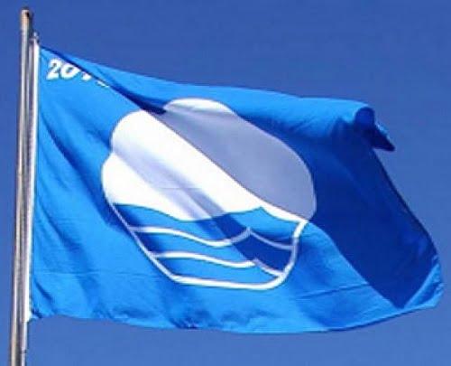 La Bandiera Blu, simbolo delle spiagge più belle d'Italia
