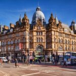 Leeds City Markets, Exterior, People Crossing Road